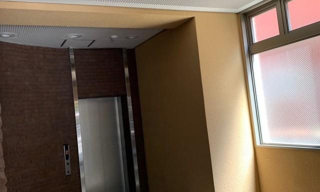 エレベーター前 工事後